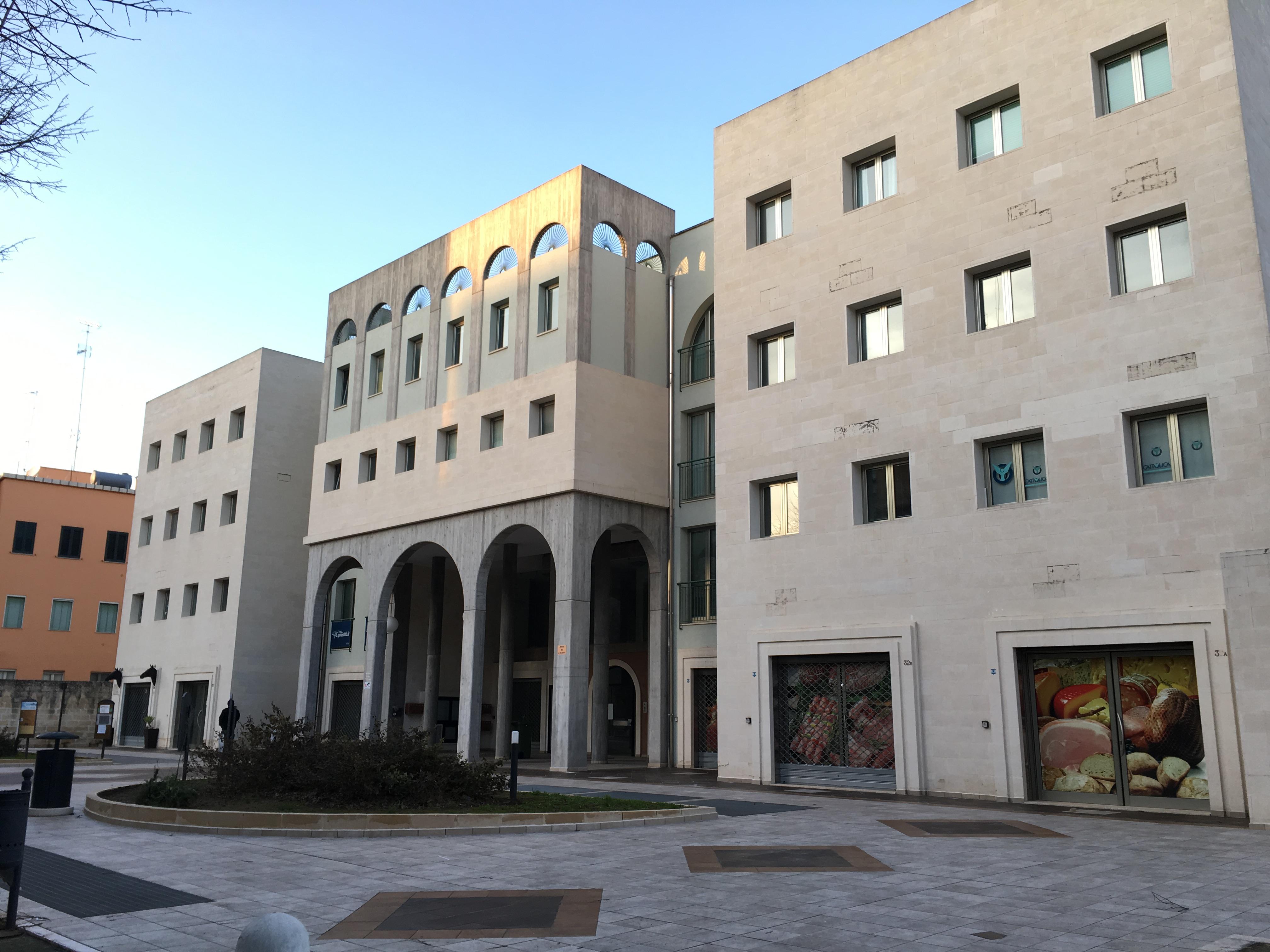 Box centro storico lecce via manzoni marti costruzioni for Acquisto box pertinenziale detrazione 50 agenzia entrate